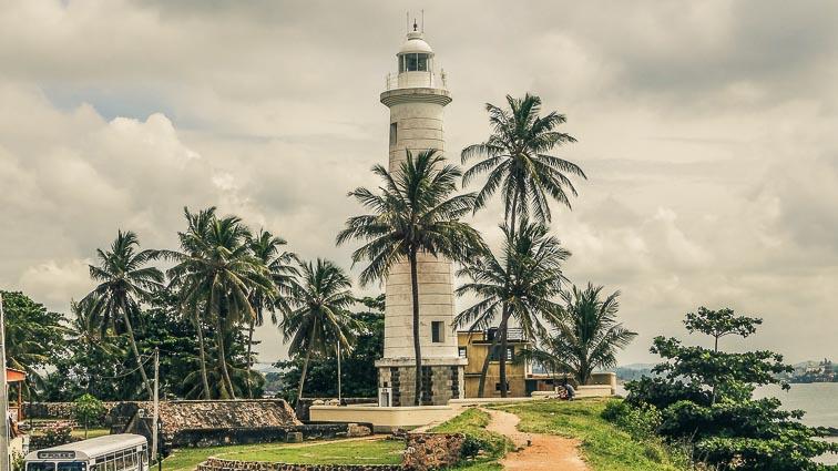 Sri Lanka on a budget: Lighthouse in Galle, Sri Lanka