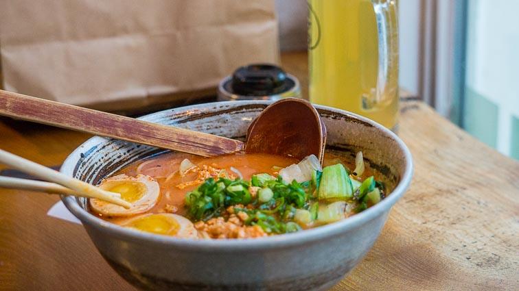 Spicy Chicken ramen bowl at Ramen to Bíiru